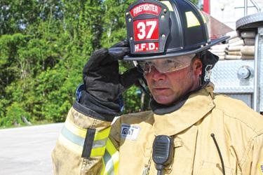 EV1 structural firefighting helmet