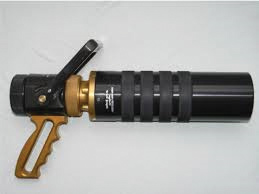 The Vindicator nozzle consists of two parts: the ball valve and the barrel. The ball valve has a 13⁄8-inch waterway with flow capabilities up to 500 gpm, while the master stream nozzle flows up to 1,000 gpm