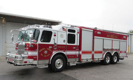 2 E-ONE built this combination specialty vehicle for the Dumfries-Triangle (VA) Volunteer Fire Department on a nonwalk-in body and a tandem-rear-axle chassis. The unit functions as a rescue, hazmat, and specialty rescue rig. (Photo courtesy of E-ONE