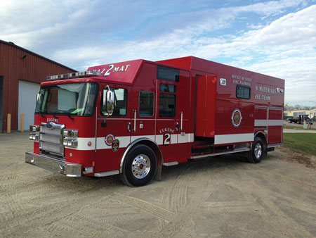 3 The Eugene (OR) Office of the Fire Marshal had Pierce Manufacturing build this hazmat response truck on a Velocity cab and chassis with a 33-foot-long aluminum walk-in body on a single rear axle. Access to the walk-in section and its accompanying slide-out is through the rear of the vehicle. (Photo courtesy of Pierce Manufacturing Inc