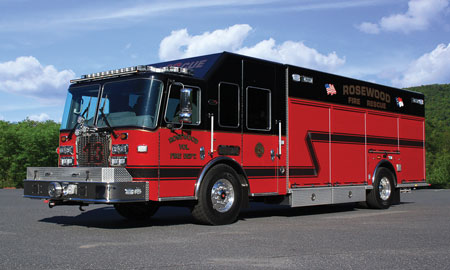 7 The Rosewood (NC) Fire Department chose KME to build this combination rescue/air/light/command vehicle on a single-rear-axle custom chassis. (Photo courtesy of KME