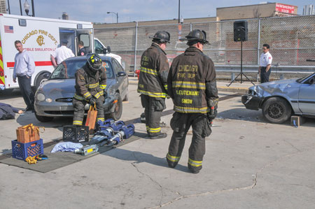 1 The Chicago (IL) Fire Department chose Hurst Jaws of Life Generation 2 eDRAULIC rescue tools to deploy on its truck companies and heavy rescue companies. Chicago firefighters are shown laying out eDRAULIC tools prior to a demonstration earlier this year on its 2016 EMS Day. 2 Chicago firefighters prepare to tear into a car with Hurst Generation