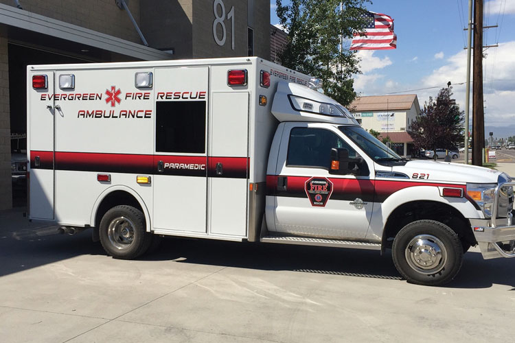 2 The Demers ambulance is built on a 2016 4x4 Ford F-350 XLT chassis powered by a 6.7-liter turbo diesel engine and a six-speed automatic transmission. (Photo courtesy of Apgar Ambulance