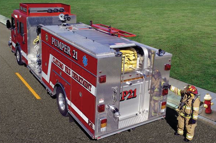 3 The Claycomo (MO) Fire Department went with a ROM hard shell cover for the hosebed on its Pumper 21. (Photo courtesy of ROM Corporation