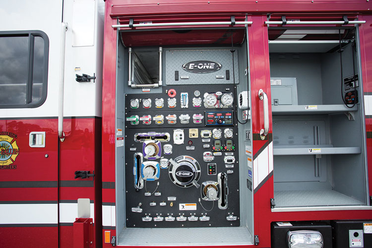 2 The E-ONE aerial ladder for Zionsville also has a Waterous CMU 2,000-gpm two-stage pump, a UPF Poly III 500-gallon water tank, and all Akron Brass valves with a stainless steel manifold.