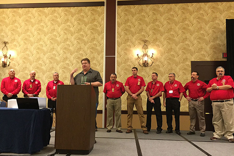 Dave Dodson accepting the Lifetime Service Award from FDSOA