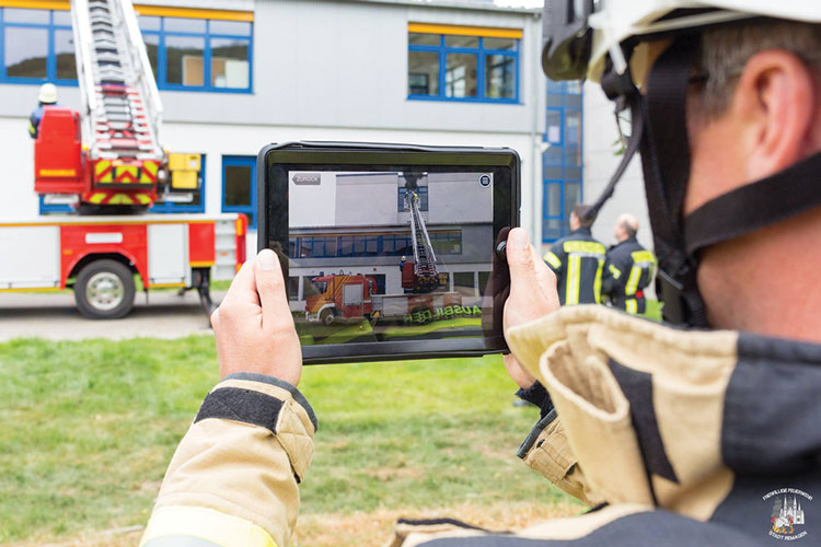 1 SimsUShare is an excellent tool for a tablet. Simply take a picture and drag in the desired fire elements to create a realistic fire simulation. (Photos 1-3 courtesy of Jonathan Kaye, SimUShare.)