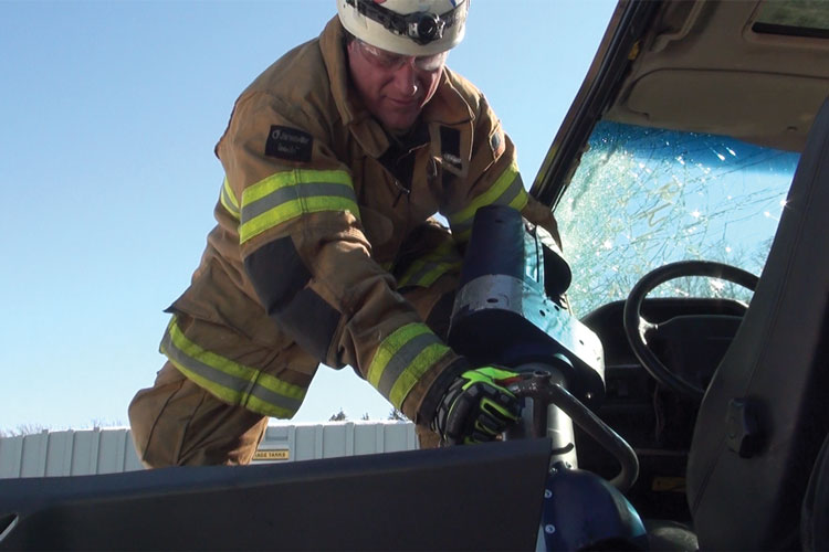 8 HexArmor's EXT Rescue Extrication gloves come in gauntlet and hook-and-loop fastener-style cuffs, and one model has a waterproof pathogen-resistant barrier. (Photo courtesy of HexArmor