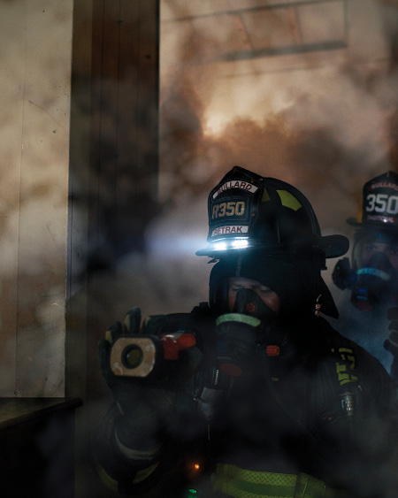 1Size up the interior of each room with your TIC to be aware of constantly changing conditions that could result in a flashover. (Photos courtesy of Bullard.)