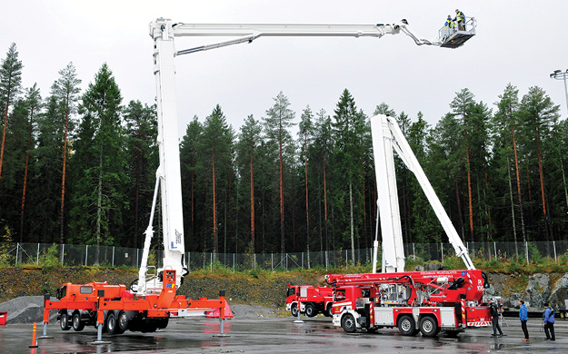 """6The """"Big Brother"""" (90-meter) and """"Little Brother"""" (37-meter) units. (Photos 6 and 7 courtesy of Bronto Skylift.)"""