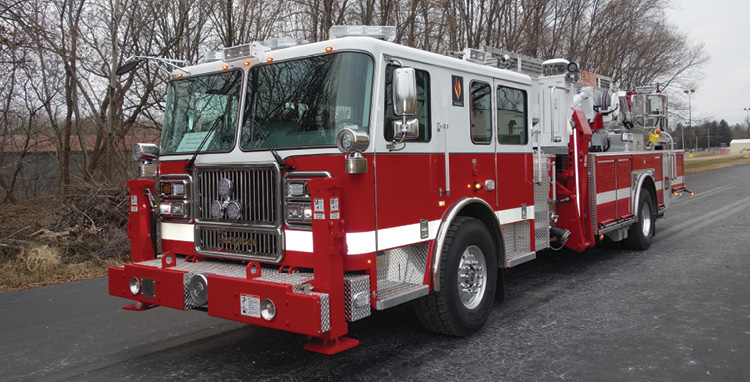 Seagrave—Duncannon Fire Company of Pennsylvania Aerialscope refurb/rechassis. Marauder stainless steel cab; Cummins L9 450-hp engine; 75-foot Aerialscope; Dealer: Dennis Warren, Seagrave Fire Apparatus, Clintonville, WI.