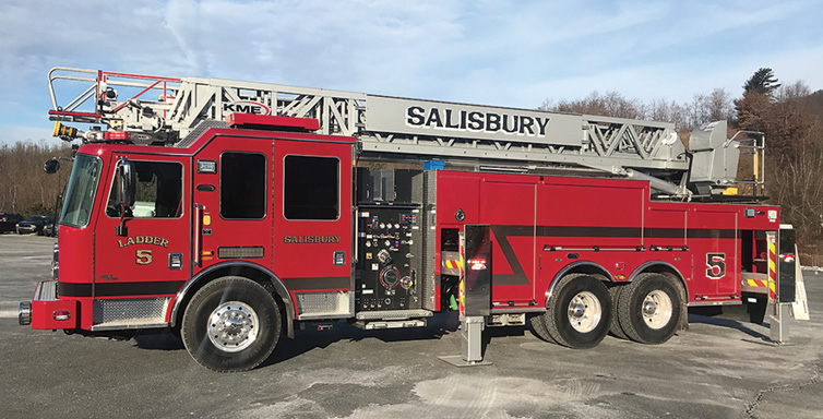 KME—Salisbury (MA) Fire Department 103-foot AerialCat™ quint. Severe Service cab and chassis; Cummins ISX12 500-hp engine; Hendrickson Ultimaxx suspension; four-section AerialCat ladder with 94-foot horizontal reach; FRC 360-degree camera system; UPF Poly 650-gallon tank; Hale Qmax XS 1,500-gpm pump; Dealer: Jeff Mazza, Bulldog Fire Apparatus, Woodville, MA.