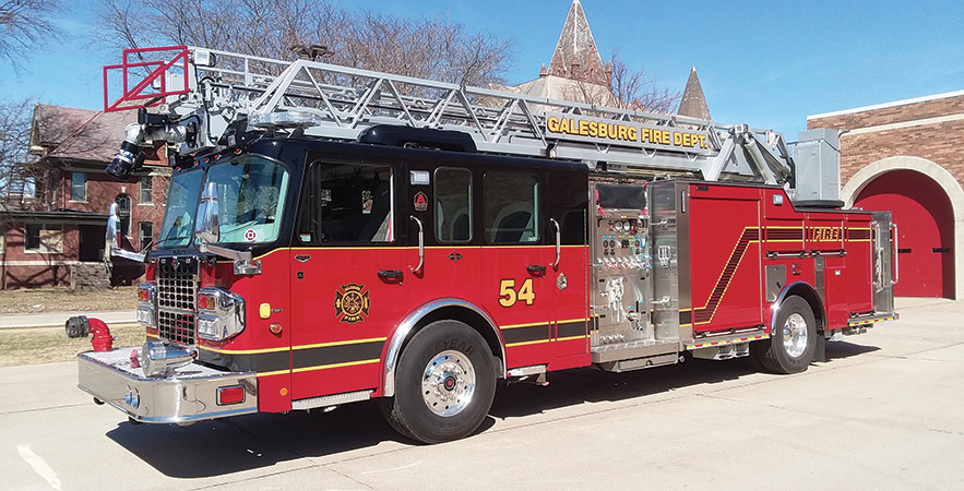 Alexis—Galesburg (IL) Fire Department rear-mount aerial ladder quint.