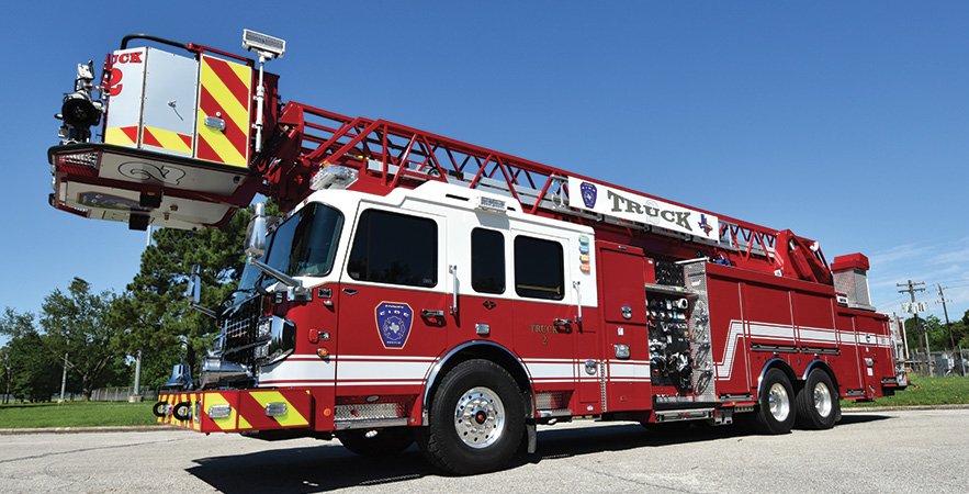 Spartan ER—Forney (TX) Fire Department 100-foot rear-mount platform quint. Gladiator LFD cab and chassis; Cummins X15 565-hp engine; Waterous CSU 2,000-gpm pump; Pro Poly 400-gallon polypropylene water tank; 30-gallon foam cell; FoamPro 2002 single-agent foam system. Dealer: Ryan Snowden, Metro Fire Apparatus Specialists Inc, Houston, TX.