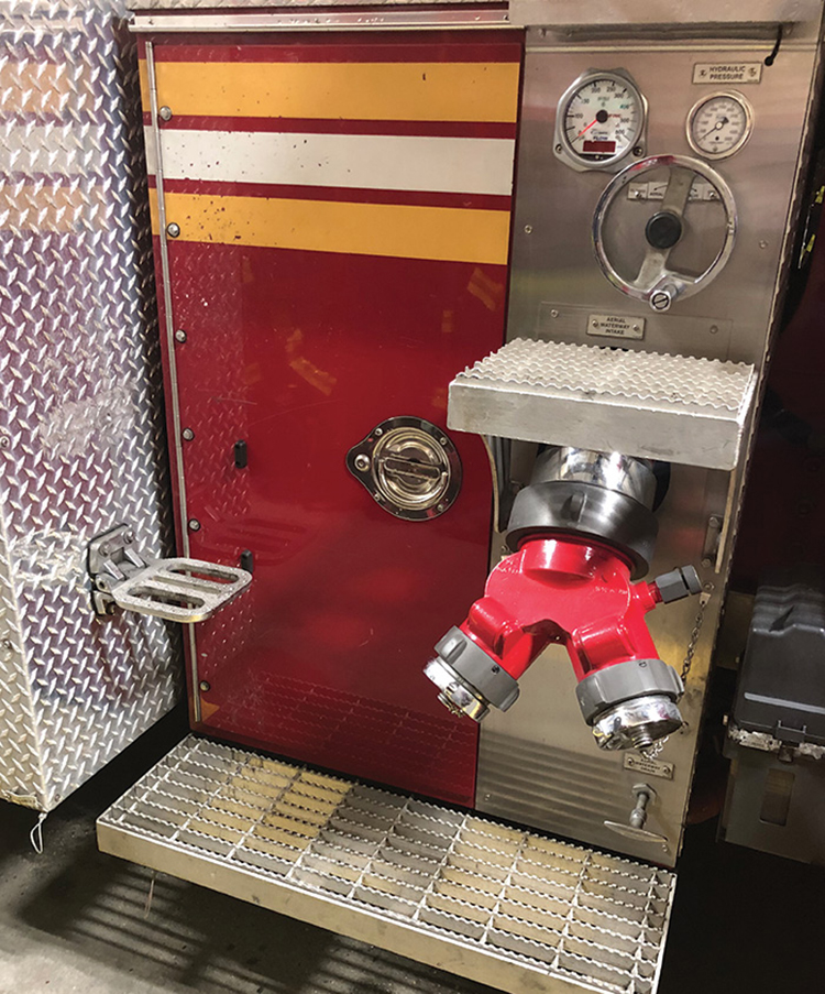 Single step pads are often mounted onto an apparatus for access to upper areas of the rig.