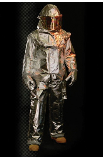 The Vector Lite series of proximity gear made by Veridian has a shorter style coat and higher waist pant than its Vector model.