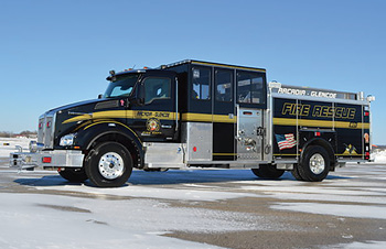 The Arcadia Glencoe CustomFIRE Full Response vehicle is built on a Kenworth T88 chassis with stainless steel body. (Photos courtesy of CustomFIRE.)