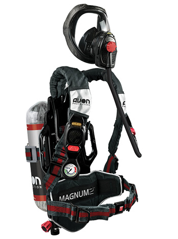 he Magnum 2 SCBA has two buddy lights on the back and one on each side, and their color coincides with the pressure level of the air cylinder as seen in the in-mask HUD.