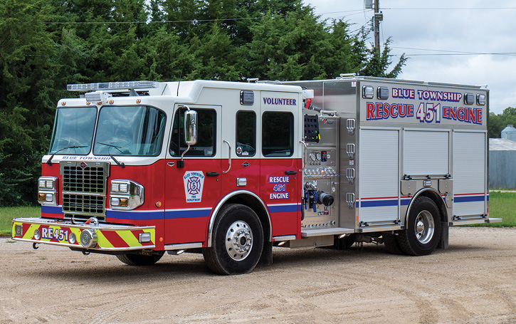 A Weis delivery to Blue Township, Pottawatomi County, Kansas Fire District 5 of a Toyne side-mount pumper on a Spartan Metro Star chassis. It has a 1,500-gpm, 1,000-gallon tank, double high side compartments, and slide-in ladder storage in the rear. (Photo courtesy of Toyne.)