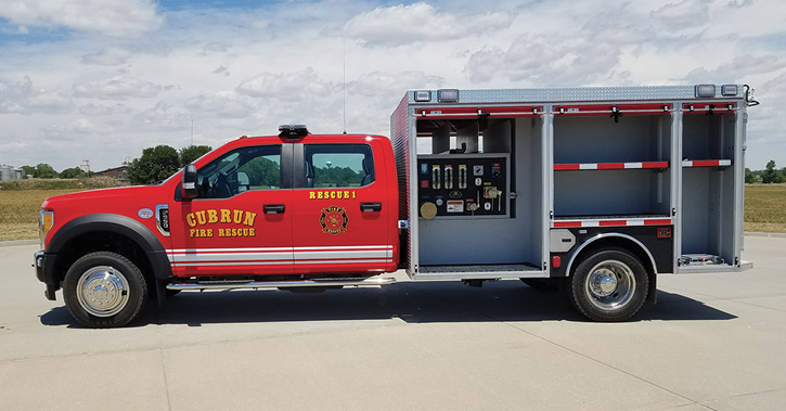 Unruh Fire built a wet rescue for the Cub Run (KY) Fire Department on a Ford F-550 4×4 crew cab chassis and an 11-foot aluminum mini pumper rescue body with a Waterous 500-gpm CX side-mount pump, a 300-gallon water tank, and crosslays over the pump panel. (Photos 4-5 courtesy of Unruh Fire.)