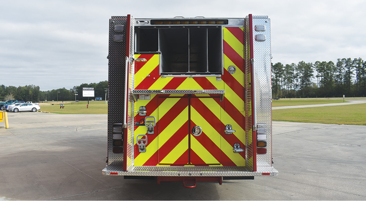 The Albuquerque pumper's hosebed is set up to carry 1,000 feet of 5-inch LDH, 800 feet of 2½-inch supply line, and 250 feet of 2½-inch dead lay.