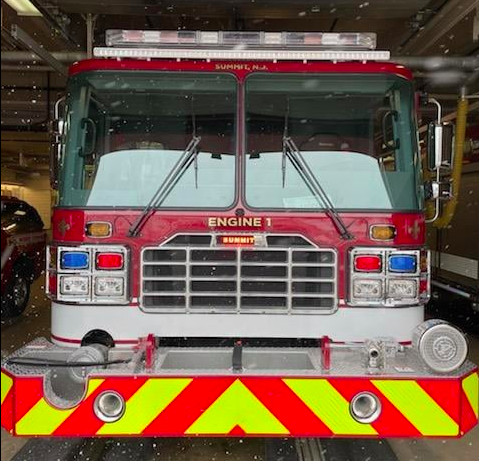 Summit (NJ) Firefighters Injured in Fire Apparatus Accident